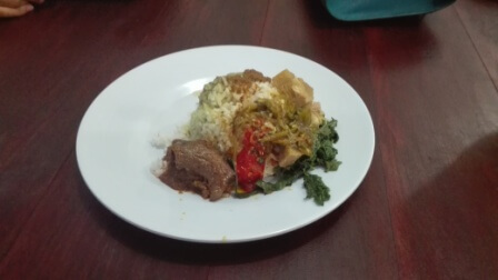 スマトラの伝統料理ランダン